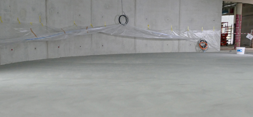 Emcefix floor can also be used to repair large areas of screed and concrete flooring. The screed in the photo was full of blowholes. They were closed with a large-area Emcefix floor scratch and blowhole filler compound, giving the floor a durable and aesthetically appealing repaired finish.